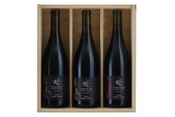 2014 Pinot Noir Game of Clones Gift Set Image